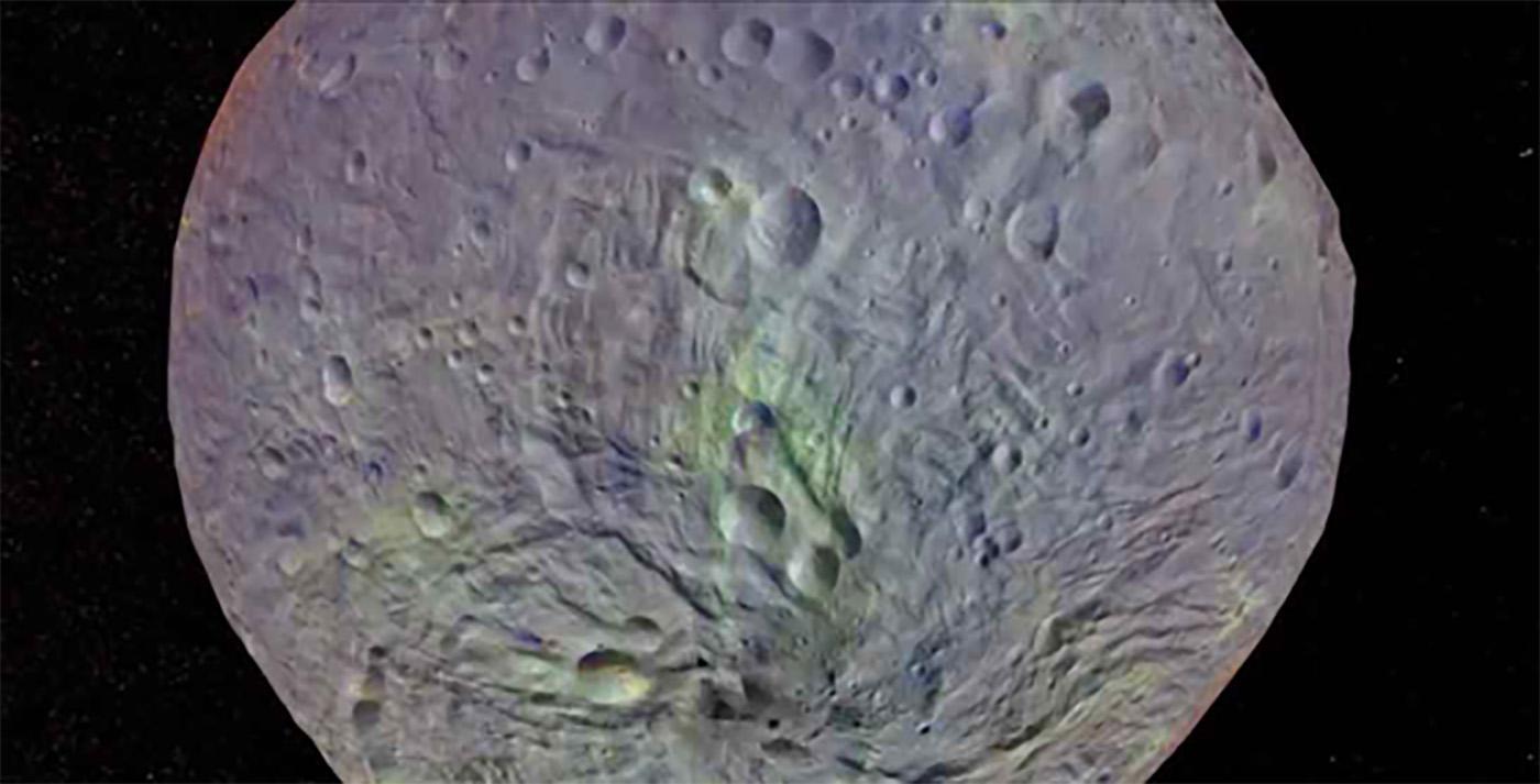 Captura de tela de Vesta de meteoróide saindo de Antonia (a partir de imagens da missão DAWN da NASA)